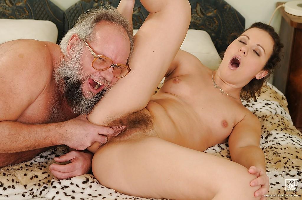 Смотреть Порно Старый Дед И Молодая
